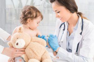 Подготавливаем малыша к прививке